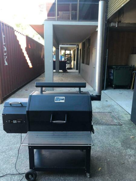 SMOKER - Yoder Smokers Model YS480 - used no more than 10