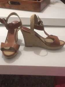 Tweed tan sandal