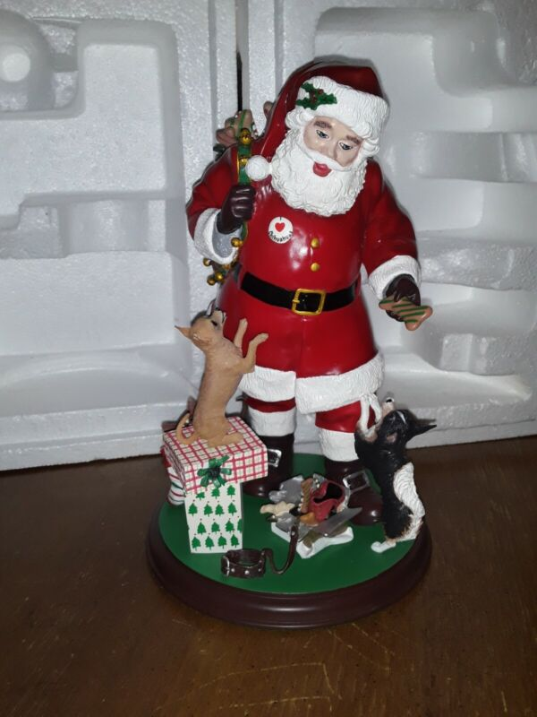 Danbury mint christmas santas little friends chihuahua  figurine