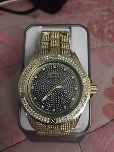 Men Watch with crystal stones (brand new)