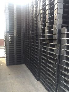 large quantity of plastic pallet skid buy & sell 905-670-9049