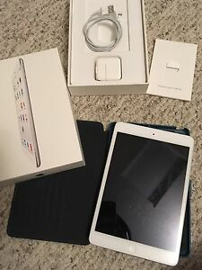 iPad Mini 2 32gb with Case and Tempered Glass screen protector