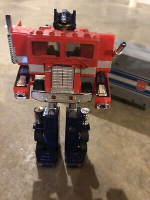 Awesome Vintage 1984 TRANSFORMERS Original OPTIMUS PRIME G1 Action Figure