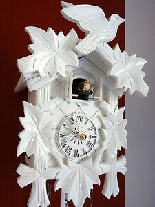 Cuckoo Clock Black Forest Quartz German Wood Batterie White Color New