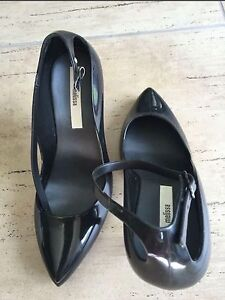 Black pumps from Melissa