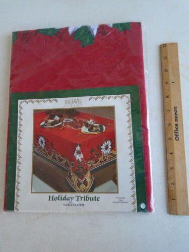 "Bardwil Poinsettia Holiday Tablecloth 70"" Round Christmas Red NIP"