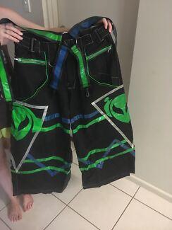 Phat pants size M