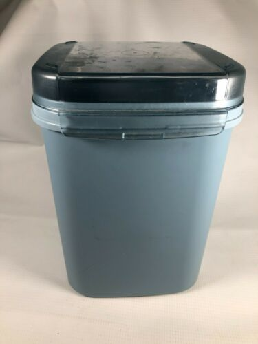 #4 Tupperware 1622-3 Blue Modular Mate Canister with flip top lid 23 cup size