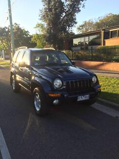 2001 Jeep Cherokee Limited  3.7litre V6 4x4