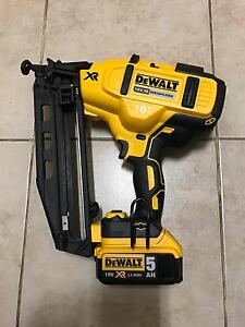 DEWALT FINISH NAIL GAN brushless 18 V WITH  one battery 5 AH Mount Lewis Bankstown Area Preview
