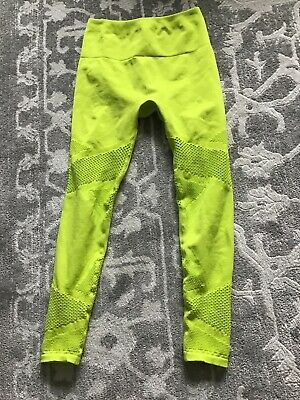 Fabletics leggings XS Mosaic 7/8 Lime Green Mesh EUC Neon