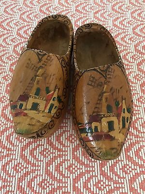 1950'S VINTAGE CHILD'S HANDPAINTED WOODEN SHOES  WINDMILLS