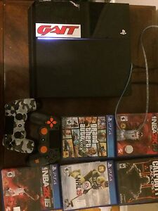 PS4, two controllers and 5 games