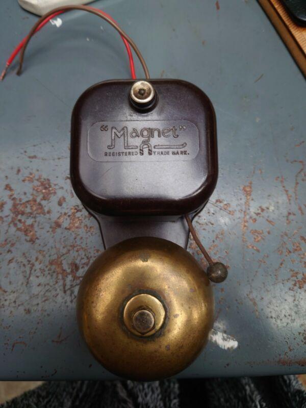 """Vintage Bakelite """"magnet"""" Door/Shop Bell"""