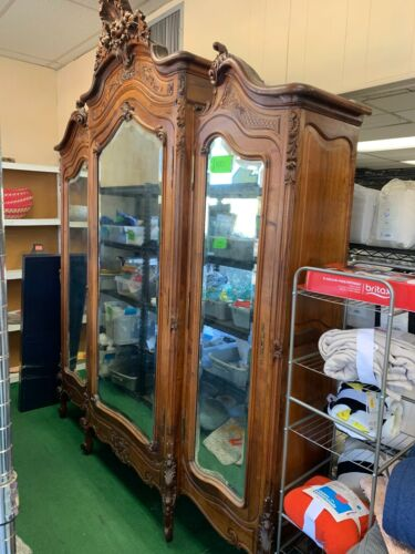BEAUTIFUL ONE OF A KIND ANTIQUE ARMOIRE CIRCA 1800 ALL ORIGINAL BEVELED GLASS