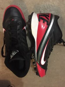 Nike football cleats 7.5
