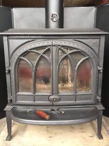 Magnifique poêle/foyer au bois Jotul F400/ wood stove