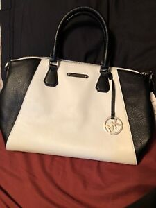 Michael Kors Large Satchel Campbell purse