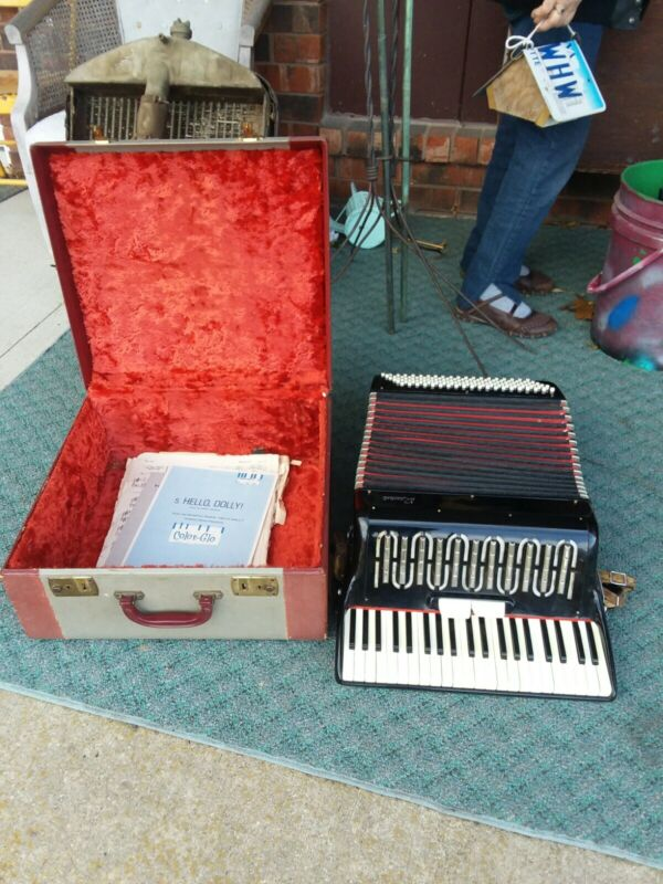 "Vintage Rossini Piano Accordion In Case Black and Red Made In Italy ""Fantastic"""