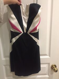 Medium, strapless- perfect for xmas/ new years eve parties!