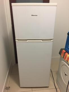 221L Hisense Fridge/Freezer