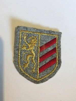 Felt Shield Badge With Lion And Stripes (Lion And Shield)