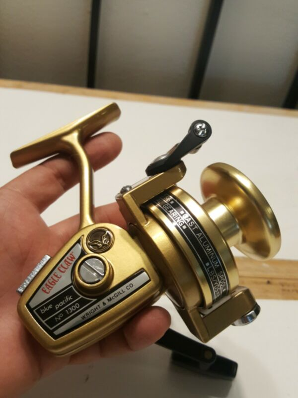 Vintage Eagle Claw Blue Pacific No. 1300 Fishing Reel - Wright & McGill - Japan