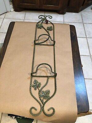 2 PLATE VERTICAL WALL DISPLAY HANGER HOLDER Green Metal W/Leaves & Grapes