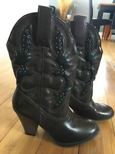 Brown/black heeled boots size 7