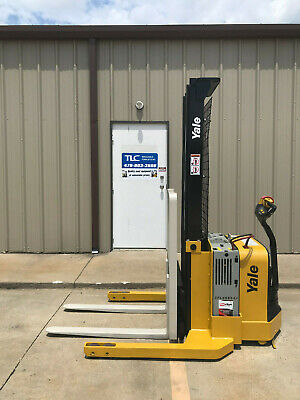 2013 Yale Walkie Stacker - Walk Behind Forklift - Straddle Lift Only 3126 Hours