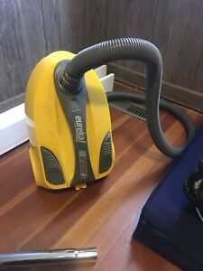 Eureka Rally 2 980 - Vacuum cleaner