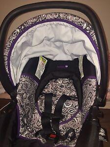 Purple infant carseat