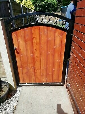 BRAND NEW Tall single Iron and Timber Gate curved top with plain circles