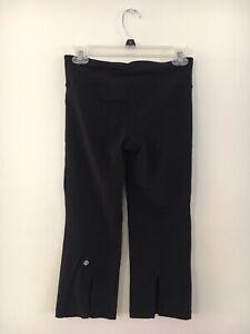 Lululemon Gather And Crow Black Crop Capri Pants size 4-6 Back Slit