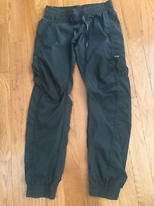 Lululemon studio pants - sz 8.