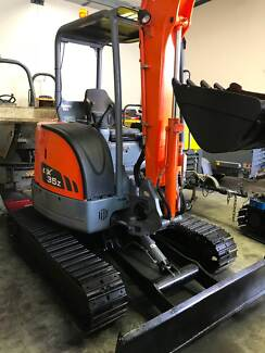2015 Doosan mini excavator with low hours Burleigh Heads Gold Coast South Preview