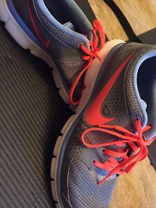 Womens Size 11 Nike's
