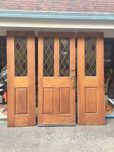 LEAD LIGHT FRONT DOOR WITH 2 SIDELIGHTS Glenning Valley Wyong Area Preview