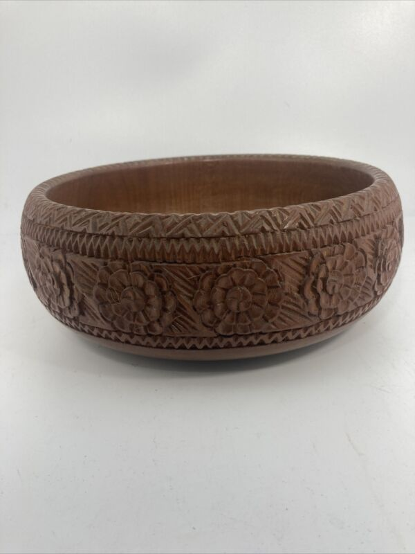 """VINTAGE Beautifully Created HARD WOOD Hand Carved WOODEN CENTERPIECE BOWL 10"""""""