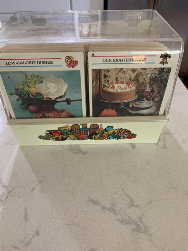 Vintage 1973 McCALLS GREAT AMERICAN RECIPE Card Collection Box * Retro Kitchen