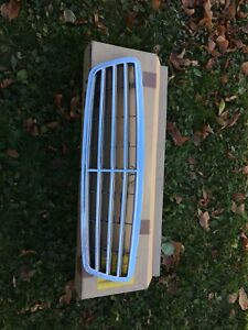 2001-2007 Mercedes-Benz C-Class W203 front grill 40$