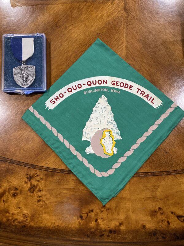 Vintage SHO-QUO-QUON Boy Scout Geode Trail Burlington IOWA Medal & Neckerchief