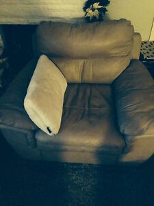 Beige leather set for sale London Ontario image 3