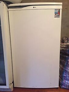 LG 129L bar fridge with chill zone Rose Bay Eastern Suburbs Preview