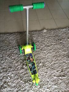Micro scooter 3 wheels Hebersham Blacktown Area Preview