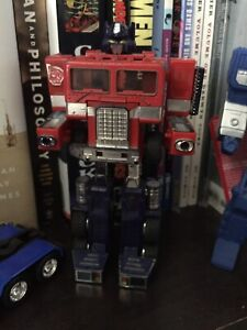G1 Optimus Prime from 80s