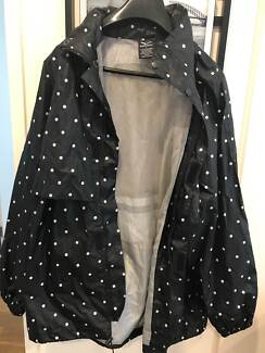 Rainbird Jacket with hood - Mens L