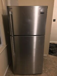 [REDUCED] Stainless Steel Maytag Fridge w Top Freezer MSRP $1600