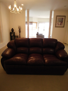Furniture lougne suite Broadbeach Waters Gold Coast City Preview