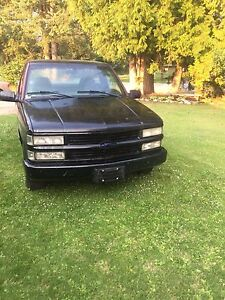 1998 Chevy 1500 Reg cab Short box 2wd 5speed